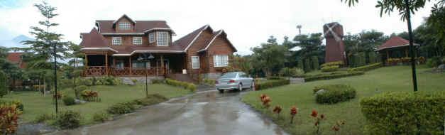 欧式造型,双层设计        屋顶采多层式立体设计        屋顶:瓦片c